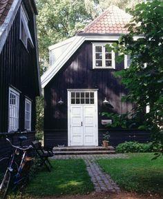 Shingles ... White door/windows