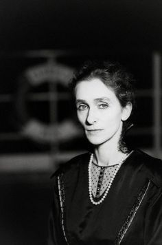 Pina Bausch, Rome, 1983 -by Fabian Cevallos  [more on 'E La Nave Va' (Fellini, 1983) chez entregulistanybostan]  entregulistanybostan:    German dancer and actress Pina Bausch plays the role of La Principessa Lherimia in Italian director Federico Fellini's film E La Nave Va. The film will win a host of prizes at the 1984 David di Donatello Awards for Best Cinematography, Best Film, Best Production Design, and Best Screenplay.  Photo: © Fabian Cevallos/Sygma/Corbis 1983  Data film: IMDb