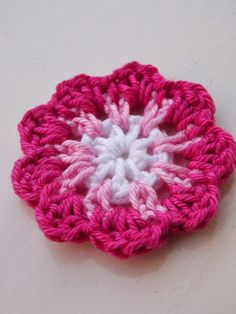 Renate's hooks and so: Free Pattern Bloemetje. FREE PATTERN 7/14.