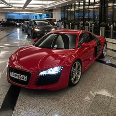 4,331 вподобань, 10 коментарів – INSTACAR_UAE™ (@instacar_uae) в Instagram: «Audi R8 ❤️❤️ #instacar_uae»
