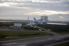 2048x1365 widescreen wallpaper space shuttle