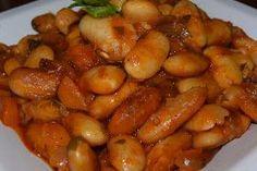 Απλή παραδοσιακή συνταγή για πεντανόστιμους γίγαντες στον φούρνο !!! Σκέτο λουκουμάκι !!! Υλικά 500 γραμ. γίγαντες...
