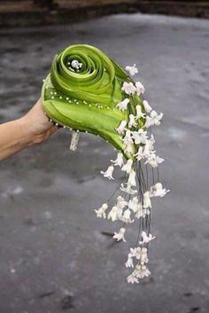 Bouquet designed by Laura Belabrovik-Sadovskaya. Ikebana, Bride Bouquets, Floral Bouquets, International Florist, Flower Decorations, Wedding Decorations, Fleur Design, Modern Flower Arrangements, Hand Bouquet