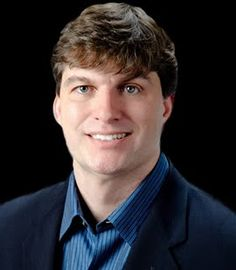Michael Burry. Anyone who has read Michael Lewis' 'The Big Short' will know this guy. Absolutely astonishing ex-hedge fund manager. http://en.wikipedia.org/wiki/Michael_Burry