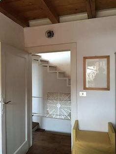 Tre Piccoli Piani Toscolano Maderno Set in Toscolano Maderno in the Lombardy Region, this semi-detached holiday home is 39 km from Verona. The unit is 17 km from Sirmione. The unit is fitted with a kitchenette.