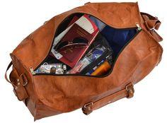 """""""Oscar"""" ist der kultige Reisebegleiter schlechthin. Mit seinem individuellen Vintage-Style und dem naturgegerbtem Ziegenleder strahlt die Tasche den Grad an Einzigartigkeit aus, den jeder schätzt. Dabei weiß """"Oscar"""" aber nicht nur optisch zu überzeugen, sondern auch mit seiner Ausstattung zu begeistern - Weekender - Reisetasche - Boardtasche - Gusti Leder - R2"""