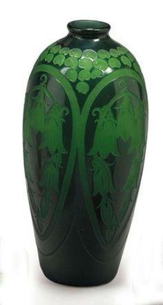 Paul NICOLAS (1875 - 1952) Campanules et escargots Vase en verre double