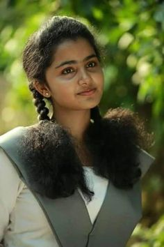 Premam Actress anupama parameswaran hot Photos aka Anupama Parameswaran hot Images - Anupama Pics in School uniform Cute Beauty, Beauty Full Girl, Beauty Women, Beauty Girls, Beautiful Girl In India, Beautiful Girl Image, Beautiful Saree, Beautiful Sunset, Beautiful Ladies