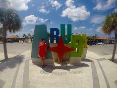 """Una vez que llegas a Aruba, en todos lados está el slogan """"Aruba, One Happy Island"""", y los arubeños dan lo mejor de sí por cumplir esa promesa, esta pequeña isla en el Mar Caribe posee …"""