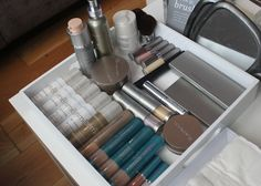 Colorescience mineral makeup, currently in my makeup bag!
