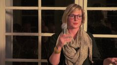 Annelou van Grienvsen  was één van de sprekers op het InspiratiePodium van het Inspiratiehuis Arnhem op 15 november 2012. Zij vertelt over de achterkant van haar CV, gevolgd door een muziekimprovisatie van Vincent van Baarsel. We zijn te gast in de ateliers van het Reizend Vormgevers Gezelschap - by Flinq Creative Video
