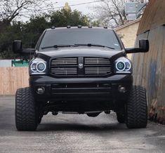 old pickup trucks Cummins Diesel Trucks, Dodge Ram Diesel, Dodge Cummins, Powerstroke Diesel, Lifted Cummins, Custom Pickup Trucks, Old Pickup Trucks, Big Trucks, Lifted Chevy Trucks