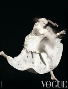 #vogue #voguenl #white #dance #japan #dance #butoh #avantgarde