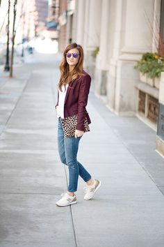 Depending on the style of the blazer, you can wear a burgundy blazer as part of your casual outfits, your office attire, or your outfits for a night out. Leopard Sneakers Outfit, Cute Sneaker Outfits, Burgundy Sneakers, Burgundy Blazer, Tennis Shoes Outfit, Burgundy Wine, Gold Sneakers, Sneakers Style, Sneakers Fashion