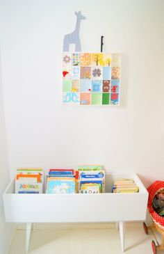 I like the books in a table so you can see them - but no link to a product. How would you do that? (w/o total diy)