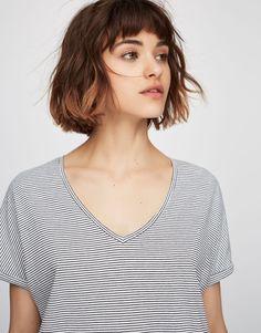 Pull&Bear - damen - kleidung - t-shirts - basic-shirt mit v-ausschnitt - weiss - 05237332-V2017