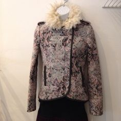 Elevenses paisley print jacket with faux fur collar, zip front, and pockets. Size small. Tis the season for warm and cozy. Please call (949) 715-0004 for all inquiries.