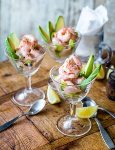 A classic for a reason, our ultimate prawn cocktail recipe is a delicious retro starter for a dinner Christmas Dinner Starters, Dinner Party Starters, Xmas Dinner, Xmas Starters, Seafood Cocktail, Seafood Dinner, Easy Dinner Party Recipes, Appetizer Recipes, Dinner Party Foods