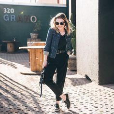 black and jeans look Girl Fashion, Fashion Looks, Fashion Beauty, Ootd, Denim Outfit, Office Fashion, Daily Look, Parisian Style, Casual Chic