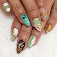 @versace_official inspired for Lili @lilis1233  #nails #nailart #gelnails #versace #sparklesf #nailstagram