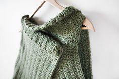 Simple crochet wrap vest. Free pattern.