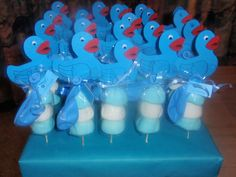 Traktatie broertje Baby Shower Duck, Baby Shower Favors, Baby Birth, Rubber Duck, High Tea, Birthday Wishes, New Baby Products, Treats, Smurfs