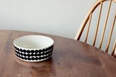Marimekko--- I had found plates and bowls like this from Ikea a few years ago. Love the pattern.
