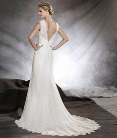 ODILIA - Flared wedding dress with floral motifs