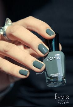 Zoya Evvie nail polish. Ugh, gorgeous!