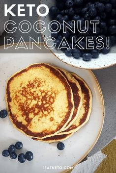 These low carb and keto friendlt coconut flour pancakes are great for an indulgent weekday breakfast or a lazy sunday on the Ketogenic diet #keto #lowcarb #lchf