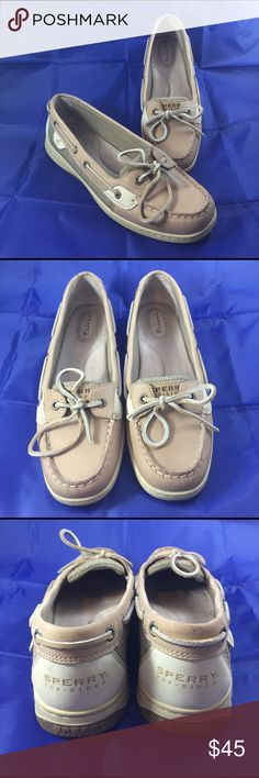 ⬇️Pristine Sperry Top Sider 9.5M shoes These shoes have only been worn once, pristine! Like new, in every respect. I believe these are the Angelfish series, but not for sure. Are tan leather, with oat colored canvas aids. Foot bed is VERY comfortable and cushioned. Non marking sole. Smoke free home! Sperry Top-Sider Shoes Flats & Loafers
