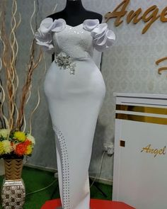 African Dresses For Kids, African Wear Dresses, Latest African Fashion Dresses, African Print Fashion, Nigerian Lace Dress, Lace Gown Styles, Fancy Blouse Designs, Formal Dresses For Women, Classy Dress