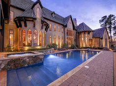 Green Gardens Estate In North Carolina, USA