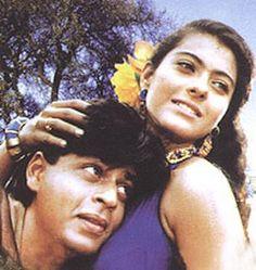 Shahrukh Khan and Kajol - Karan Arjun Vintage Bollywood, Bollywood Girls, Bollywood Stars, Bollywood Actress, Shahrukh Khan And Kajol, India, Navel, Weight Training, Couple Goals
