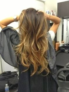 A warm ombre blond hair color.A warm ombre blond dye is a spring hair Act