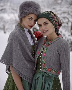 High Street Fashion, Pullover Mode, Russian Culture, Folk Fashion, Russian Fashion, Headgear, Sweater Fashion, Portrait Photography, Winter Hats