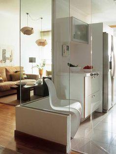 Conseguir más claridad con un muro de cristal Open Kitchen And Living Room, Small Living Rooms, Home Decor Kitchen, Luxury Kitchen Design, Home Interior Design, Interior Decorating, Dream Furniture, House Layouts, Home Fashion