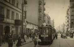 Jewish Life in the ghetto The Warsaw Ghetto http://www.HolocaustResearchProject.org