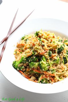 Thai quinoa salad - easily adjusted to be more alkaline (skip scrambled eggs, use almonds instead of peanuts, and make alkaline Thai sauce)