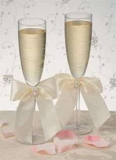 wedding champagne glasses | Charming Pearls Champagne Wedding Toasting Glasses