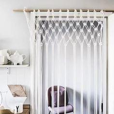 Macrame Wall Hanging Diy, Macrame Curtain, Diy Crafts For Home Decor, Diy Room Decor, Diy Casa, Macrame Design, Diy Curtains, Diy Furniture, Diy Projects