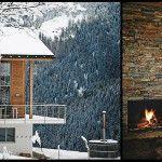 Accroché aux massifs alpins à 1600 mètres d'altitude, cet élégant chalet familial concilie la chaleur d'un vraie cheminée et la beauté du panorama grâce à d'immenses ouvertures sur la nature.