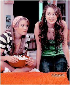 And Emily. Lilly Hannah Montana, Hannah Montana Outfits, Old Disney Channel, Disney Channel Stars, Miley Cyrus, Hannah Miley, Fall Fashion Staples, Lgbt, Miley Stewart
