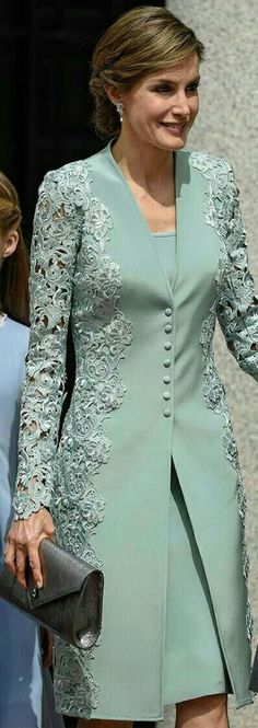 """Queen Letizia - mint green embroidered lace coat and dress by Felipe Varela - pewter Felipe Varela clutch - Magrit 'Barbara' clutch """"Mother of bride outfit Mode Abaya, Mode Hijab, Trendy Dresses, Elegant Dresses, Formal Dresses, Bride Dresses, Hijab Fashion, Fashion Dresses, Dress Brokat"""