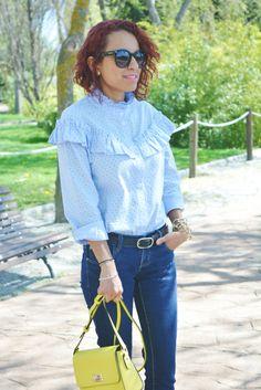 Camisa con volantes y medias rejillas #gabbysweetstyle