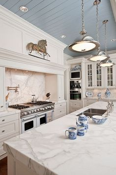 I've been dreaming of my ultimate kitchen. Some day within the next 5 years, I will be building my dream kitchen!   For a dream kitchen, yo...