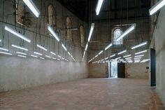 Veit Stratmann Sans titre, 2001, tubes fluorescents