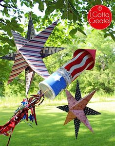 Bold and beautiful paper stars and DIY rocket for Independence Day at I Gotta Create! Bold and beautiful paper stars and DIY rocket for Independence Day at I Gotta Create! Fourth Of July Decor, 4th Of July Fireworks, 4th Of July Celebration, 4th Of July Decorations, 4th Of July Party, 4th Of July Wreath, July 4th, Patriotic Party, 3d Paper Star