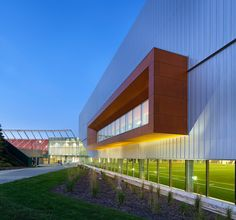 Images courtesy of MJMArchitects, photos by Tom Arban. The Commonwealth Community Recreation Centre in Edmonton, Alberta, Canada, is an adaptive reuse of an ...