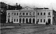 Estação de Santa Apolónia em 1865 Old Pictures, Old Photos, Back In The Day, Lisbon, Time Travel, Around The Worlds, Mansions, History, Street